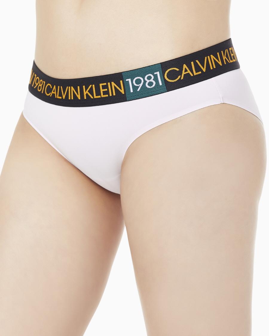 캘빈클라인 언더웨어(CALVIN KLEIN UNDERWEAR) 여성 캘빈 클라인 1981 볼드 비키니 팬티_QF5443AD_7JX