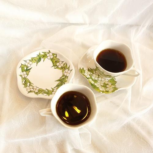 부바르디아 커피잔 세트