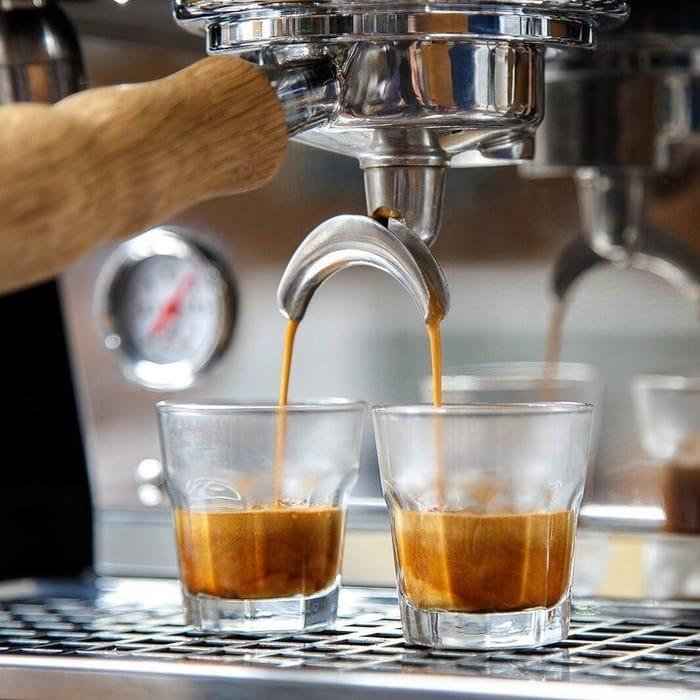 【經驗分享】開咖啡店有咩要知?|開咖啡店心得Q&A系列(三)|Reeves @ Hands-on Coffee, Hare晴舍, Chokohood精品朱古力café