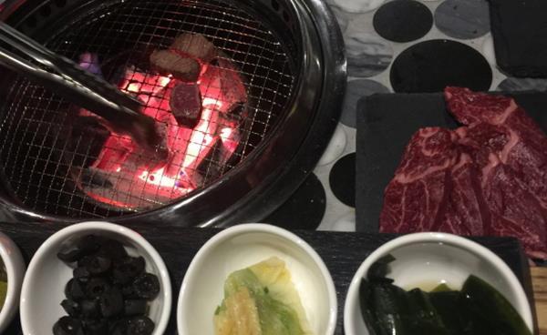 남자가 고기 구워주는 '남고집' 논현점