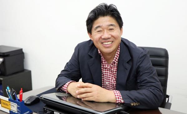 김철수 교사(前 서울고등학교·국어과)