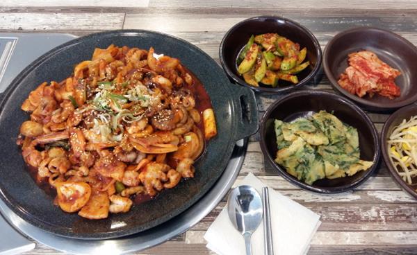 논현역 맛집 '쭈꾸미 공화국'