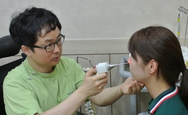 미세먼지로 인한 알레르기성 비염, 콧물빼기 치료와 한약치료로 면역력 높여야