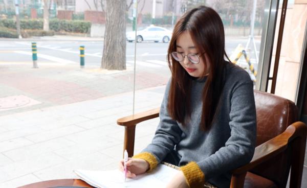 2019학년도 수시합격생 인터뷰 - 홍익대학교 디자인학부 시각디자인전공 안지현 학생(반포고 졸)