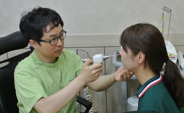 여름철 알레르기성비염과 콧물빼기 배농치료