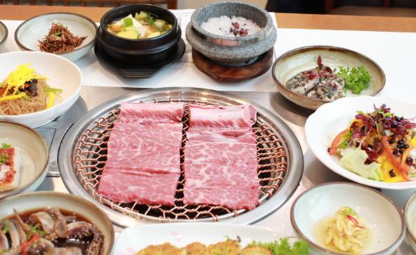 35년 전통의 한정식 코스 요리 매봉역 맛집 '한국관'