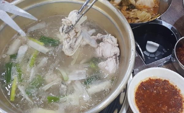 독자 김원미씨 추천 '진할매 닭 한 마리' 덕이점