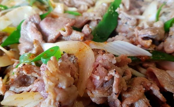 은은한 참나무향이 밴 착한가격의 고기 맛집