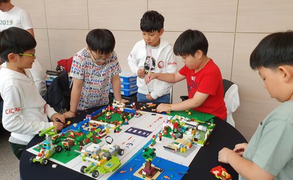 레고의 철학을 기반으로 6세부터 시작되는 융합인재로 가는 대장정