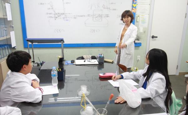 올바른 과학 공부의 첫 걸음, '과학을 몸으로 경험하게 하라'