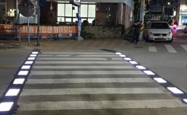 구미시, 교통안전 위한 스마트 횡단보도 설치