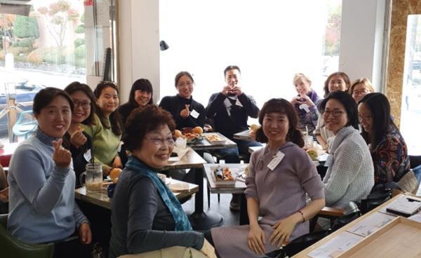 해외 입양인의 뿌리 찾기를 돕는 모임 '배넷'