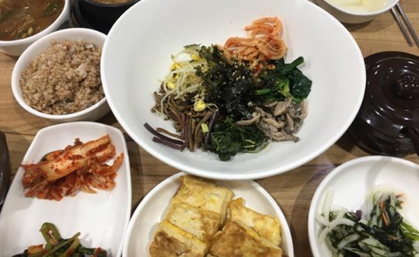 보리밥과 팥칼국수 전문점 대화동 '향토'