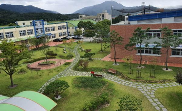 구미시, 3년 연속 전국 명상숲 우수사례 산림청장상 수상!