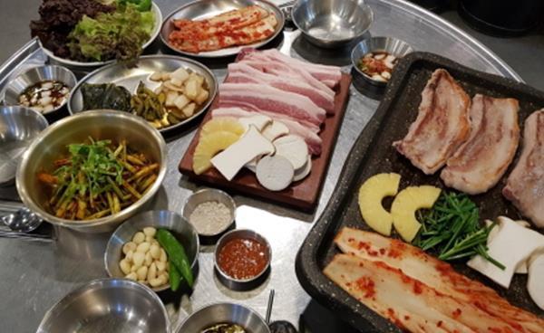 고속터미널 맛집 '육백집'