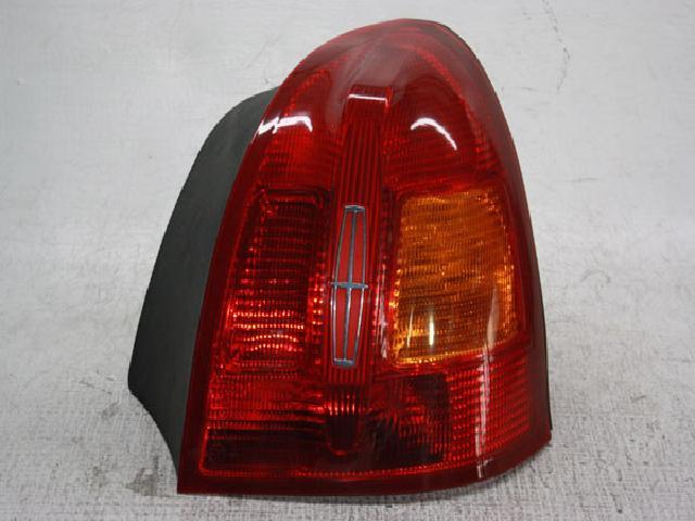 지파츠 자동차 중고부품 F8VD-13B504-B 컴비네이션램프,후미등,데루등