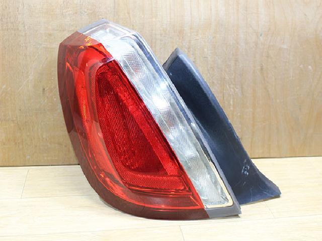 지파츠 자동차 중고부품 8A53-13B505-B 컴비네이션램프,후미등,데루등