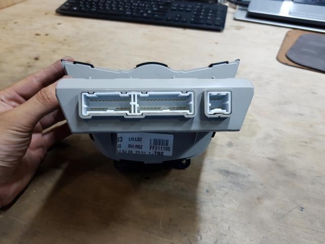 지파츠 자동차 중고부품 972502V350BLH 히터에어컨컨트롤스위치