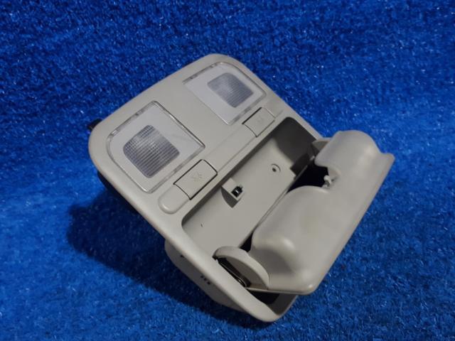 지파츠 자동차 중고부품 928303L100 실내조명등