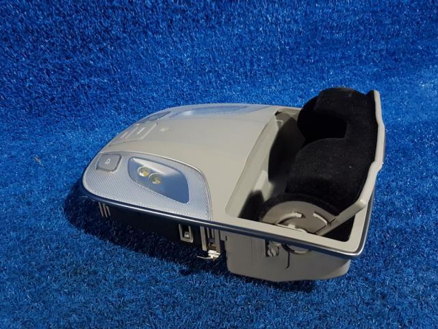 지파츠 자동차 중고부품 928103NXXX 실내조명등