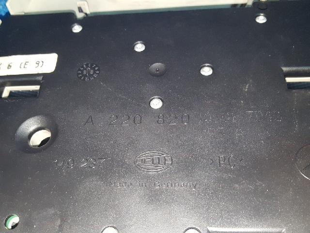 지파츠 자동차 중고부품 A2208201001 실내조명등