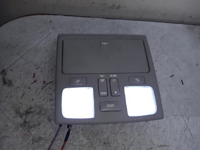 지파츠 자동차 중고부품 928102C500 실내조명등