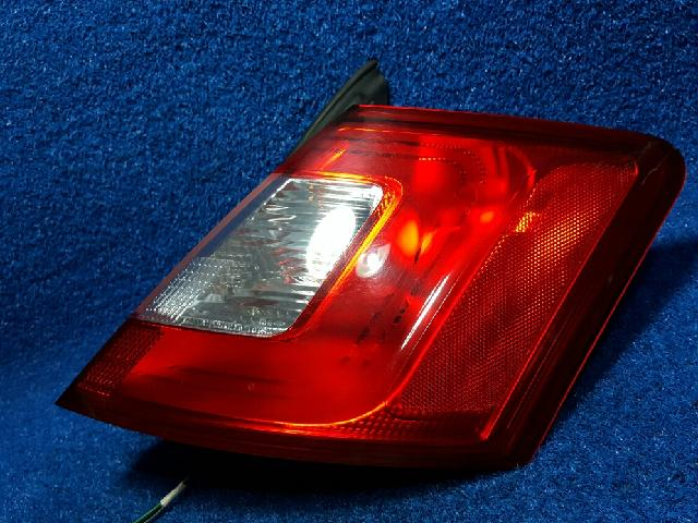 지파츠 자동차 중고부품 AG1313B504A 컴비네이션램프,후미등,데루등