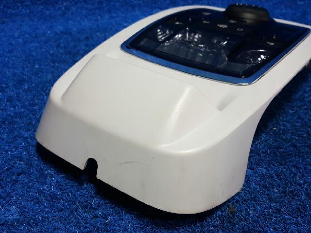 지파츠 자동차 중고부품 98033022ZD 실내조명등