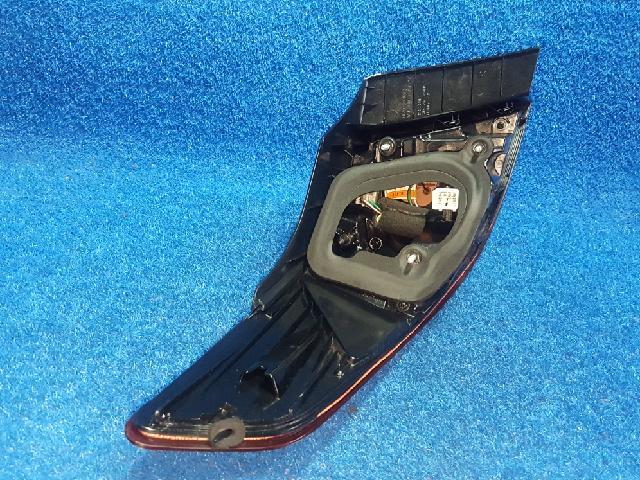 지파츠 자동차 중고부품 924022T0 컴비네이션램프,후미등,데루등