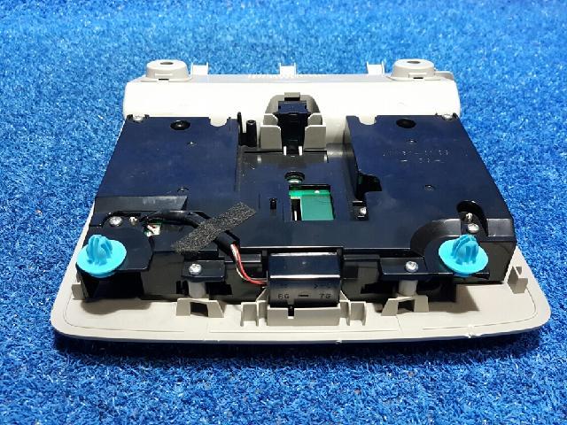 지파츠 자동차 중고부품 1D111-065G 실내조명등