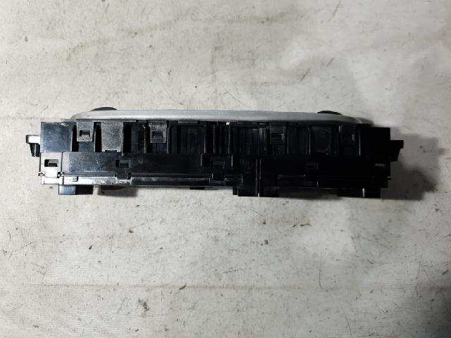 지파츠 자동차 중고부품 275100016R 히터에어컨컨트롤스위치