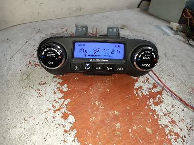 지파츠 자동차 중고부품 97250-2S301 TAN 히터에어컨컨트롤스위치