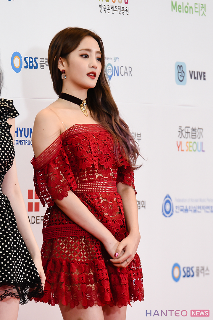 Minnie of (G)I-DLE having a photo time during the Red Carpet event of 'The 25th 2019 Dream Concert' held in Seoul Sangam World Cup Stadium on May 18th. (Photo Credit=Hanteo News)