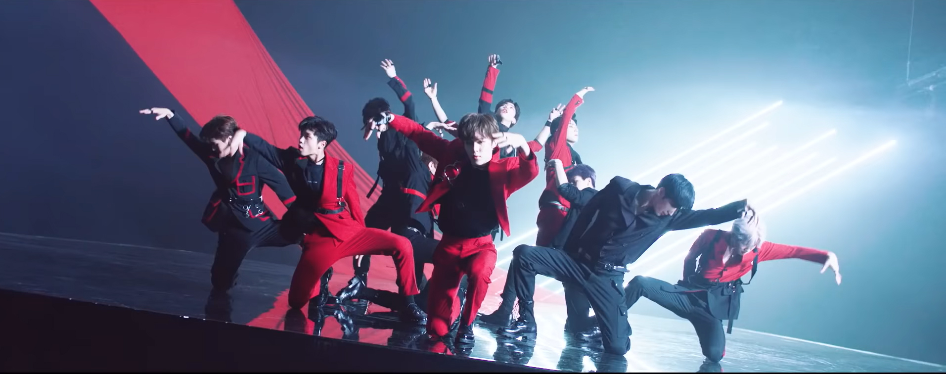X1, who took 1st place in Hanteo Chart's Daily Ranking of September 6th (Photo=screen capture from the official MV of X1's 'FLASH')