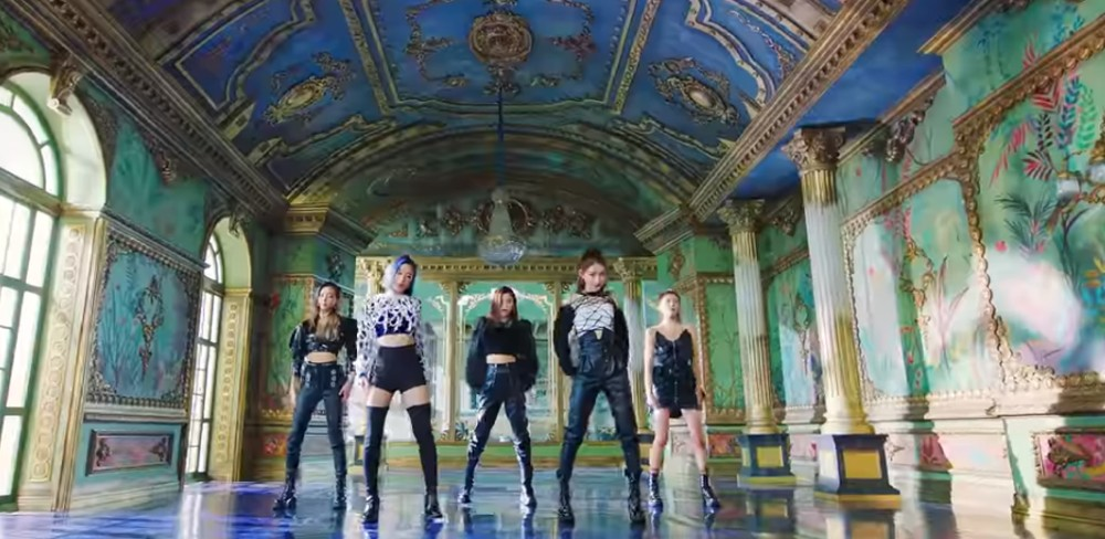 Screen capture of ITZY - WANNABE official music video