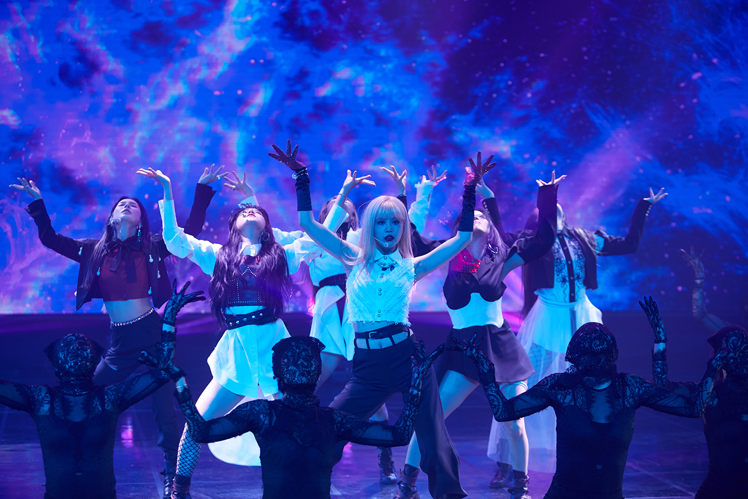 Group (G)I-DLE performing the title track Oh my god during the media showcase (Photo Credit=Cube Entertainment)