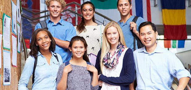 J-1 공립학교 교환학생 프로그램을 이용하는 학생들