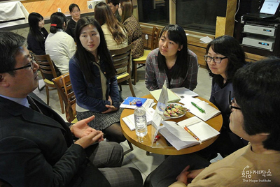 ▲2014년 4월 휴먼라이브러리 현장