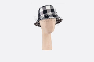 e58d6e5b2 디올 모자 Teddy D Check'N'Dior green small-brim bucket hat with veil ...