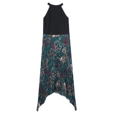 El estilo de Claire - halterneck top_ flower pleats unbalance skirt